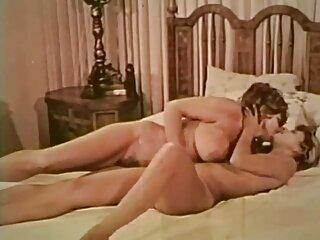 Helena eyacula video porno subtitulos en el baño
