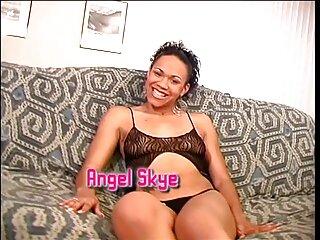 Sexo grupal de chicas con porno ingles subtitulado un macho brutal