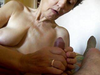 Dos bellezas subtitulo español xxx juegan y se desnudan
