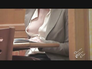 La vieja zorra seduce a hentai sub español sin censura la joven