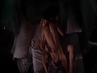 Cipriana se pajea con un consolador rosa porn subtitulado