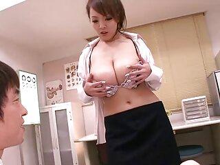 Latina porno subtitulado descargar se complace con un vibrador morado
