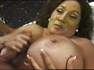 Tessa Lane complace a un chico con una videos porno hentai subtitulado mamada