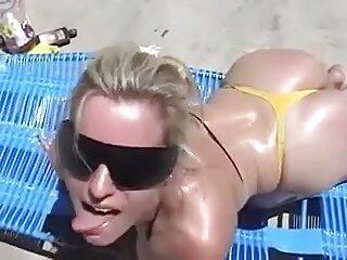 La video hentai subtitulado morena tetona Mercedes Carrera se entregó a un hombre