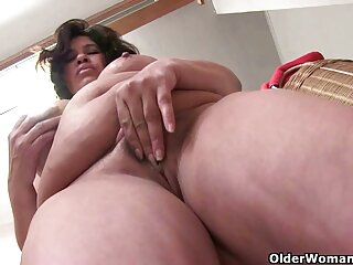 ¡Chicas porno insecto subtitulado Anuka!