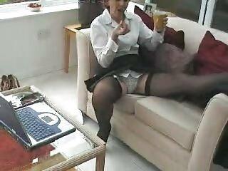 Entrenamiento matutino de la hentai subtitulado al español hendidura vaginal.