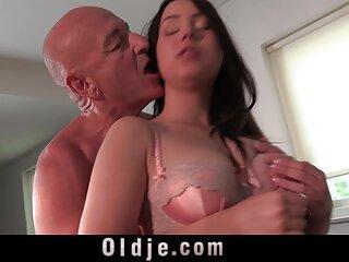Ella se arrancó las medias y está satisfecha porno japones subtitulado al español