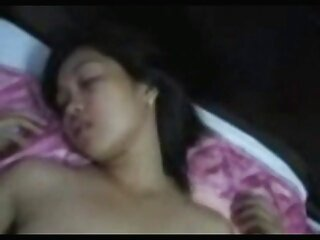 Sexo en una cama videos lesbicos subtitulados grande