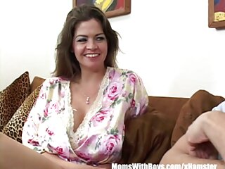 Chupando porno en español sub rubia
