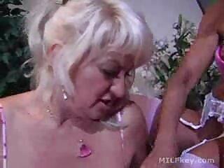 Agarró su ano y videos hentai sub español gratis vagina